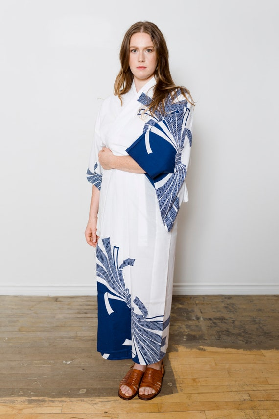 White Cotton Kimono w/ Navy Patterns // Vintage Japanese Yukata // Altered Vintage // Light Duster // House Coat // Robe
