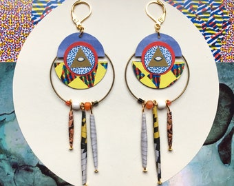 Earrings: tribal.