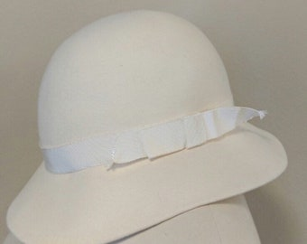 be7306ef9 YSL Vintage Yves Saint Laurent Fedora Hat