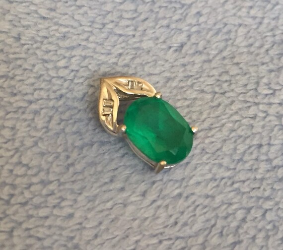 Details about  /Emerald and Diamond Pendant in 10K White Gold