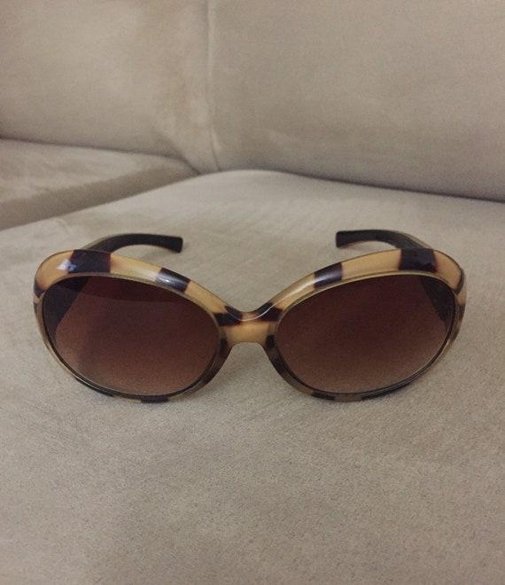 vintage 1960's style Tortoiseshell sunglasses - image 1