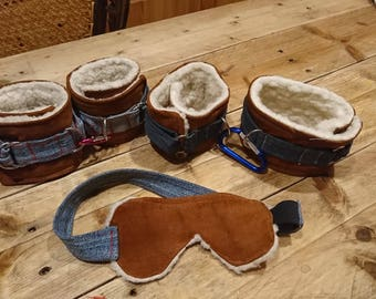 Set hand and ankle cuffs with blindfold