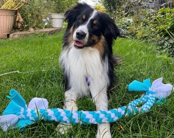 Big XXL Tug with Handle: Made of Durable Fleece & Great for Tugging, Interactive Dog Toy, Chase/Fetch/Throw Toy, Strong Tug