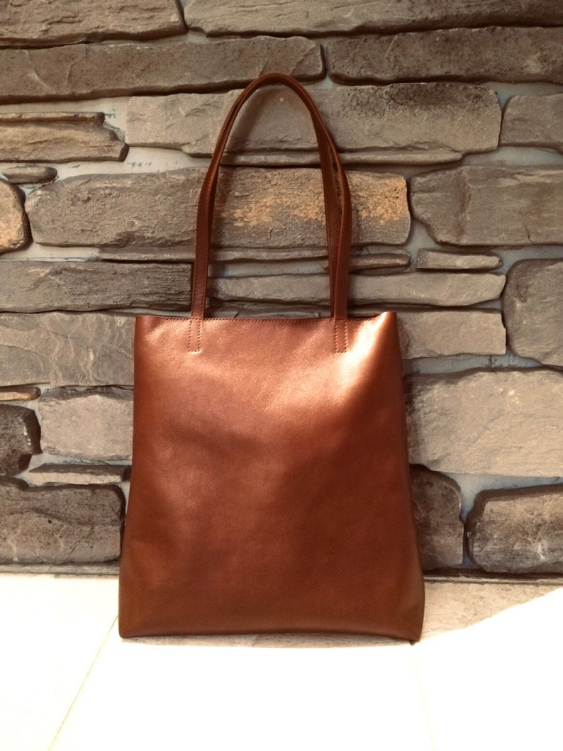 GENUINE LEATHER TOTE Minimalistic style Medium size Chestnut color Women shoulder bag Tote with zipper Leather purse Free personalisation