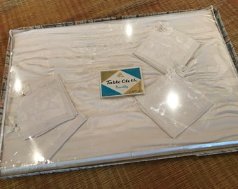 Vintage White Damask TABLECLOTH and Napkins - Unused - Mint in Box