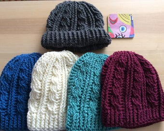 Cable stitch crochet hat - with or without pompom