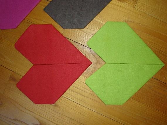 Joli Pliage De Serviette En Papier En Forme De Coeur