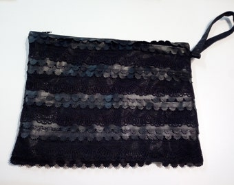 Bag in faux leather and lace