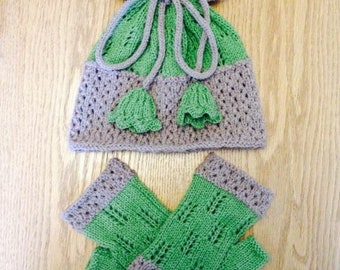Knitted hat and fingerless mitten set