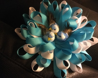 Gift wrap bow with 3 birds