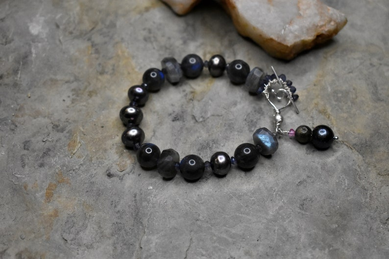 Iolite /& Sterling Silver Bracelet Labradorite Freshwater Pearl