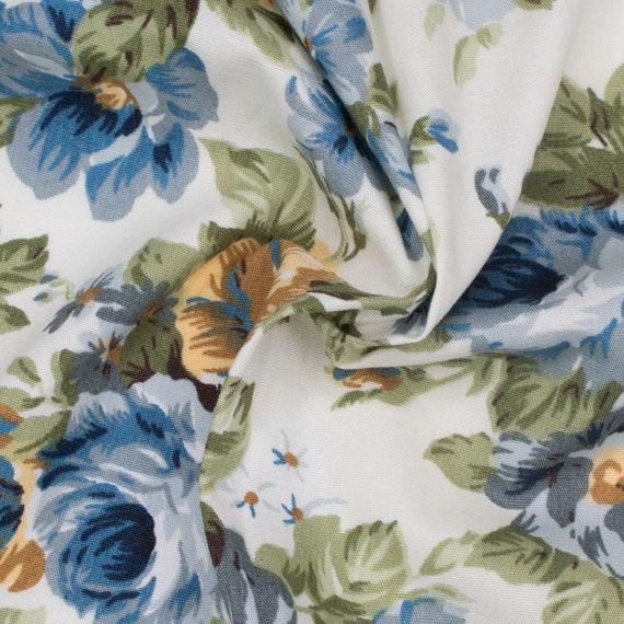 FLORAL VINTAGE ROSE cream background 100/% cotton fabric sold//PER METRE//