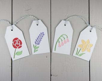 Set von 4 Blume Geschenkanhänger, geschichteten Papierschnitt Geschenkanhänger mit Saiten, mit einer Rose, Lavendel, Fingerhut und einer Narzisse