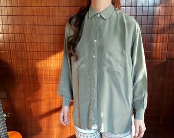 4b2765a4f87d28 Vintage 80s Olive Green Silk Woman Shirt by Ballon    1980s    UNISEX    Silky  Shirt    Button up shirt    oversize vintage shirt