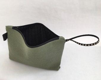Wristlet, Army Green Linen Wristlet