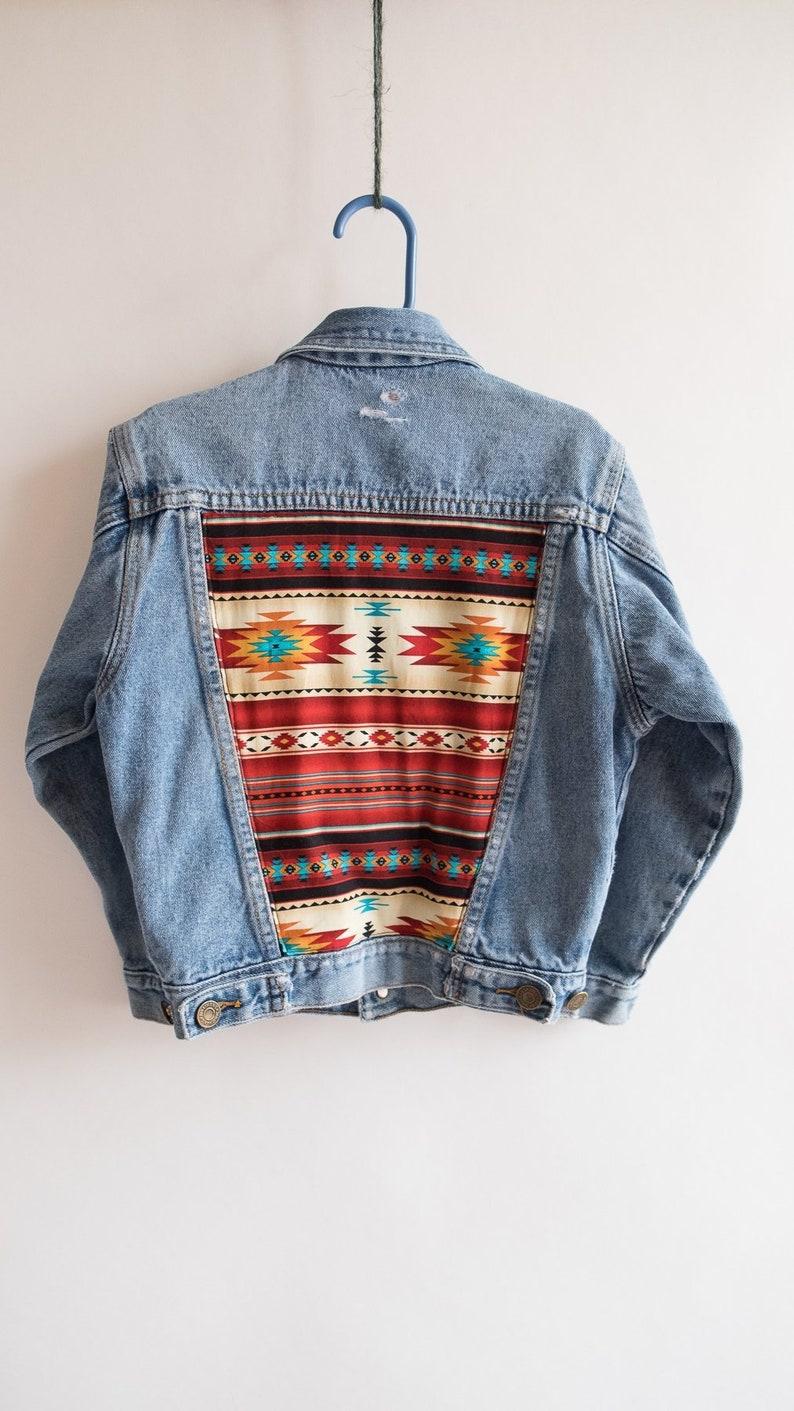 finest selection 8857d c6561 Upcycled Jeansjacke, jungen Jeansjacke, Navajo-Design