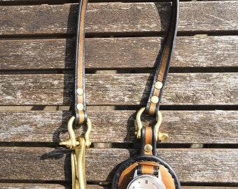 Watch saddle