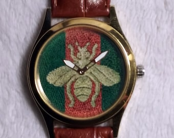 45ff5d3baa4a Cucci Fartz Bug Dial Face in Gold Tone Case with Brown Crocodile Texture  Genuine Leather Band