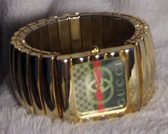 0b708ea97a50 Cucci Fartz Women's Large Link Expandable Band Watch Gold Tone Square Dial  Face