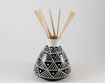 ceramic essential oil bottle with reeds Pottery reed diffuser aromatherapy stoneware bud vase