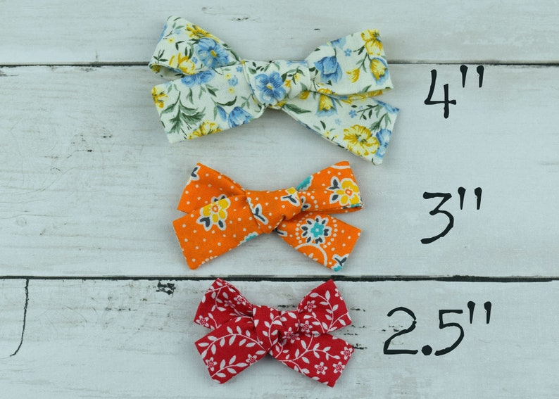 Piggie BowsHair Bow Clips Flowers for Girls Hand Tied Fabric Bow