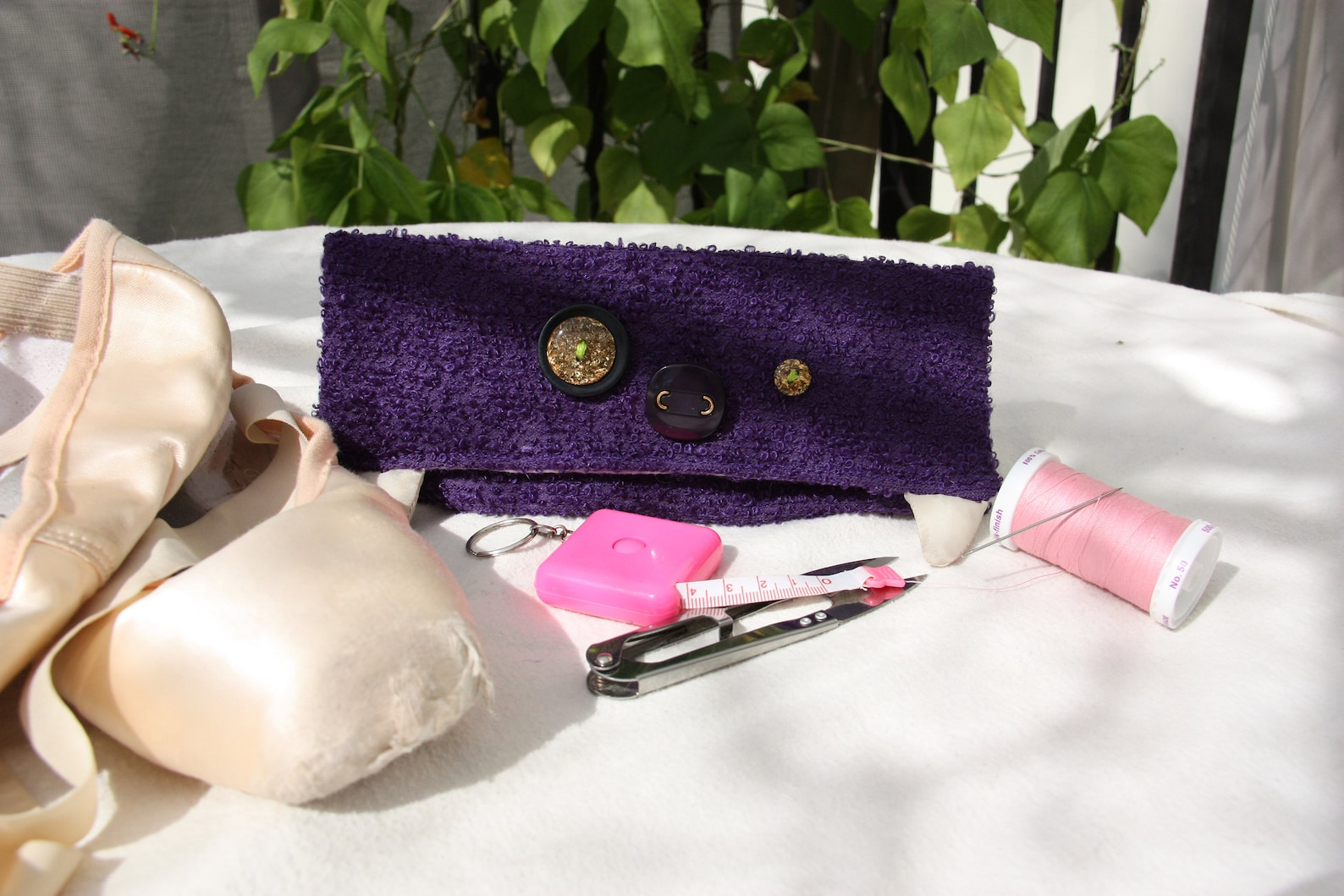 pointe shoe sewing kit, ballet sewing kit, pointe shoe accessory, wallet sized mini monster