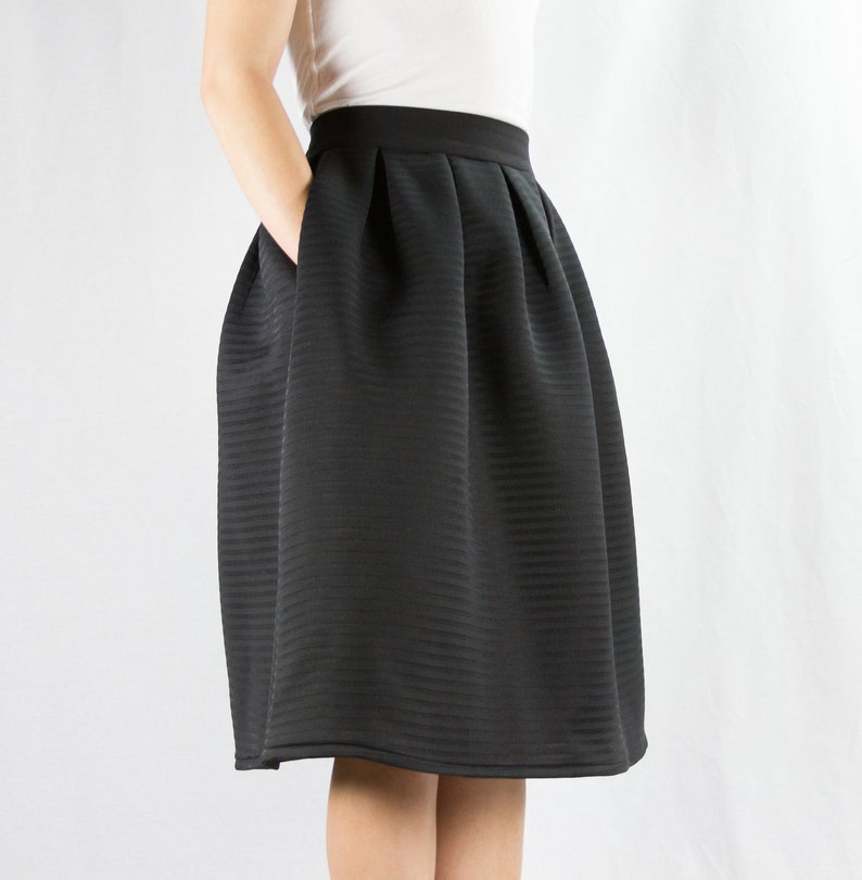 Black Midi Skirt with Pockets High-waisted Flared Skirt image 0