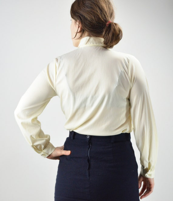 Vintage Ivory Pintuck Pleated Classic Blouse Size… - image 8