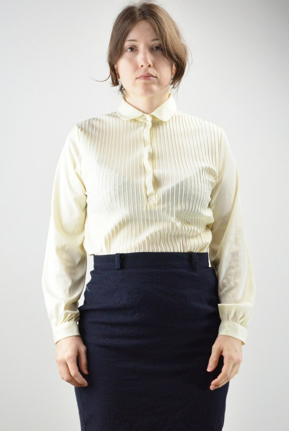 Vintage Ivory Pintuck Pleated Classic Blouse Size… - image 2