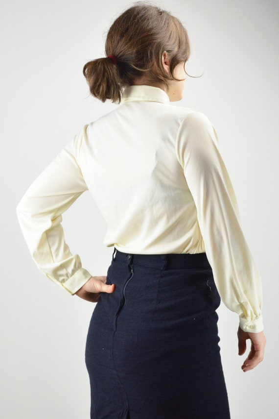 Vintage Ivory Pintuck Pleated Classic Blouse Size… - image 5
