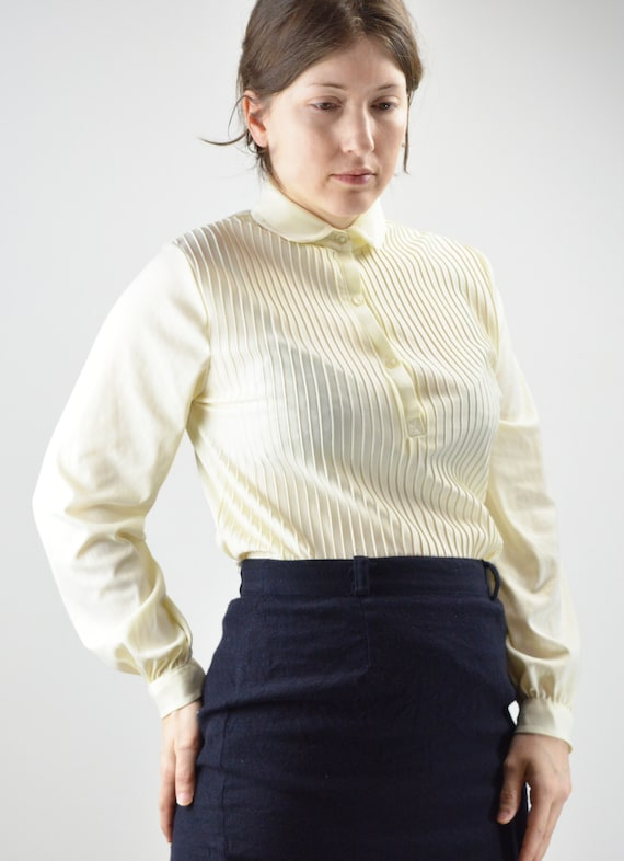 Vintage Ivory Pintuck Pleated Classic Blouse Size… - image 6