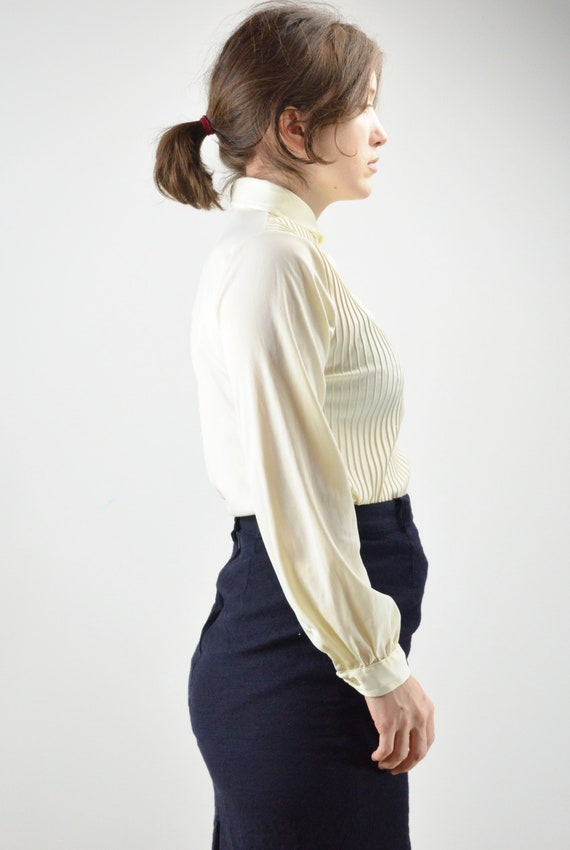Vintage Ivory Pintuck Pleated Classic Blouse Size… - image 4
