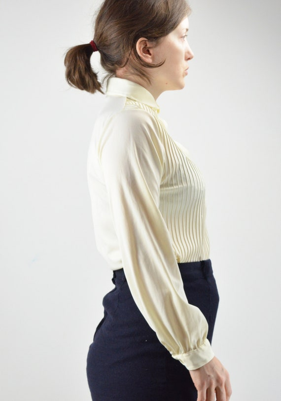 Vintage Ivory Pintuck Pleated Classic Blouse Size… - image 7