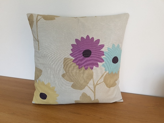 SALE  Ready Made Beautiful Vintage Fabric 1980/'s 18 Handmade Cushion Cover 100/% Cotton Delicate Pink /& Blue Flowers on Green