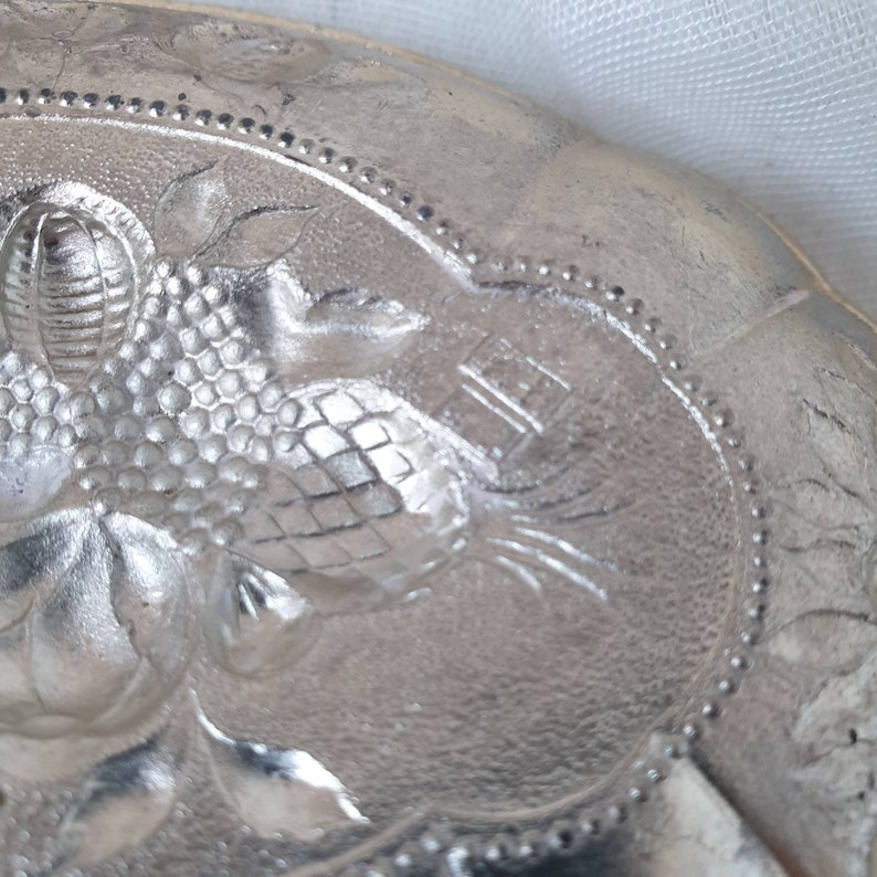 Art  Deco Silver Plated Reprousse Dish Fruit Design Tray Israel Freeman /&Son Isaac repousse fruit design pin dish