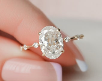 2.5 CT Oval Engagement Ring, Minimalist Moissanite Engagement Ring