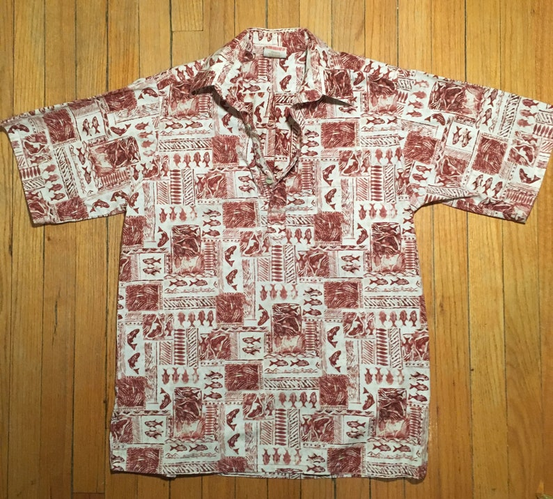 1960s Vintage Hawaiian Aloha 3 Button Shirt by Go Barefoot