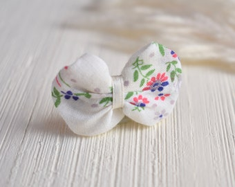 Vintage Handkerchief Bubble Bow with Alligator Clip