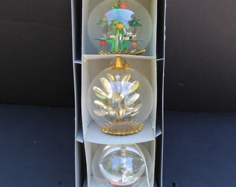 Vintage West German Delicate Glass Oranments with Floating Design/German Made Christmas Tree Ornaments/Delicate Glass Ornaments