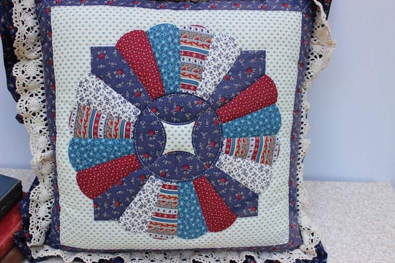 Vintage Accent PillowThrow PillowCouch PillowBed Pillow