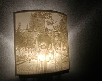 Customizable photo night light