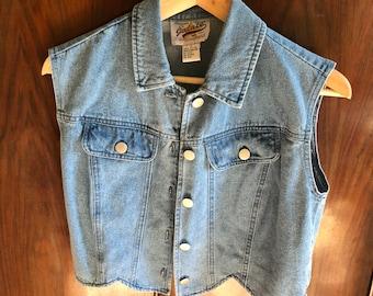 Vintage 90s Denim Vest with Scalloped Edge, Vintage Denim Jean Country Cowgirl Vest, Vintage 90s Cropped Jean Vest, 90s Small Denim Vest,