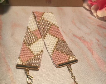 Herringbone Patterned Bead Loom Bracelet in Neutral Colors