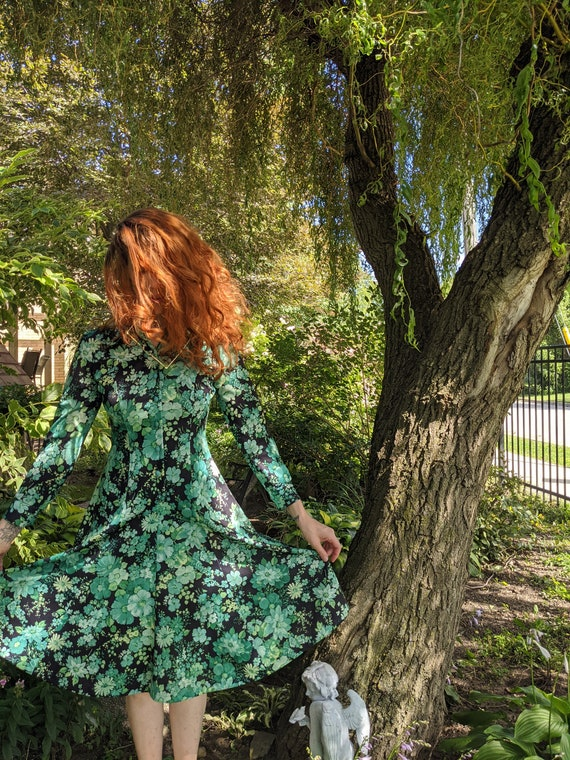 Vintage 70s Day Dress, Lovely Green Floral Print,