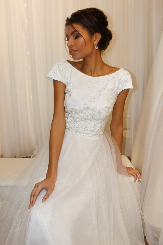Cap Sleeve Wedding Dress Long Train Wedding Dress Scoop Back Wedding Dress Flowing Wedding Dress Backless Wedding Gown