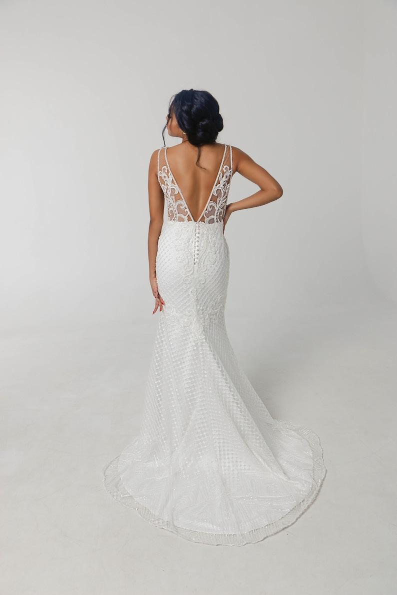Mermaid Wedding Dress Sleeveless Lace Wedding Dress Open image 6