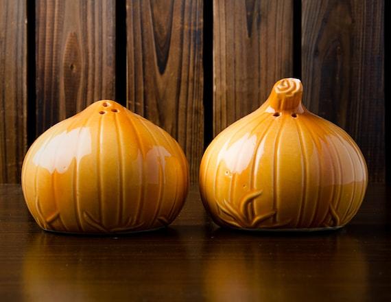Onion Shaped Salt And Pepper Shaker Set Vintage S/&P Kitchen Ceramic