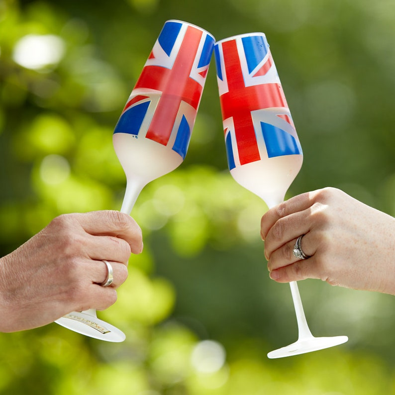 Set of 2 Union Jack Champagne Flutes image 0