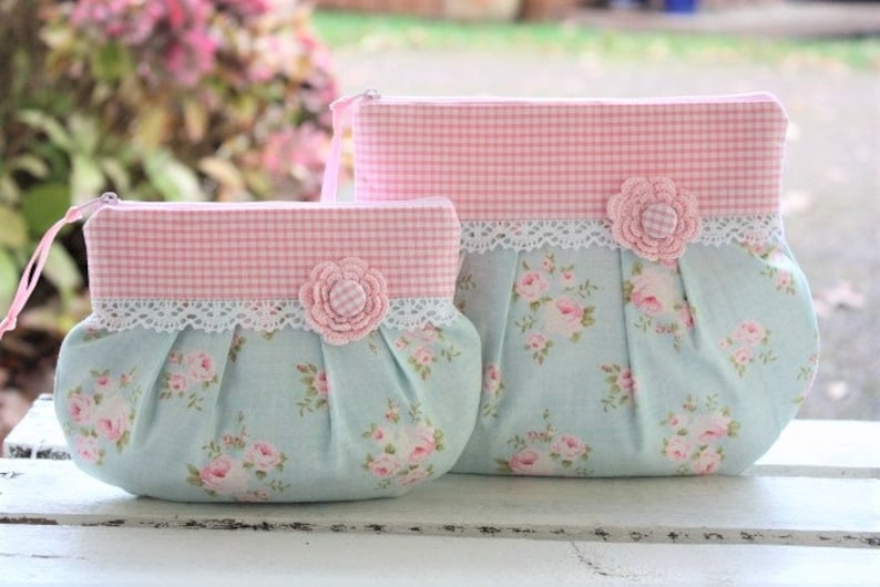 Make-up pouch cosmetic purse romantic playful lace image 0