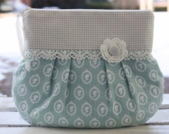Make up bag, makeup pouch, make-up bag, toiletry bag, clutch, stuffbag, wedding bag, romantic, playful, lace, flowers
